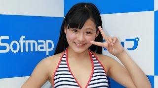 グラビアアイドル、榊まこ(さかき・まこ、16)が21日、東京・秋葉...