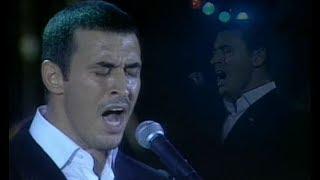 القيصر كاظم الساهر - رائعة كثر الحديث ( بغداد ) اداء و احساس يهز مسرح مارينا في مصر 2000 ~