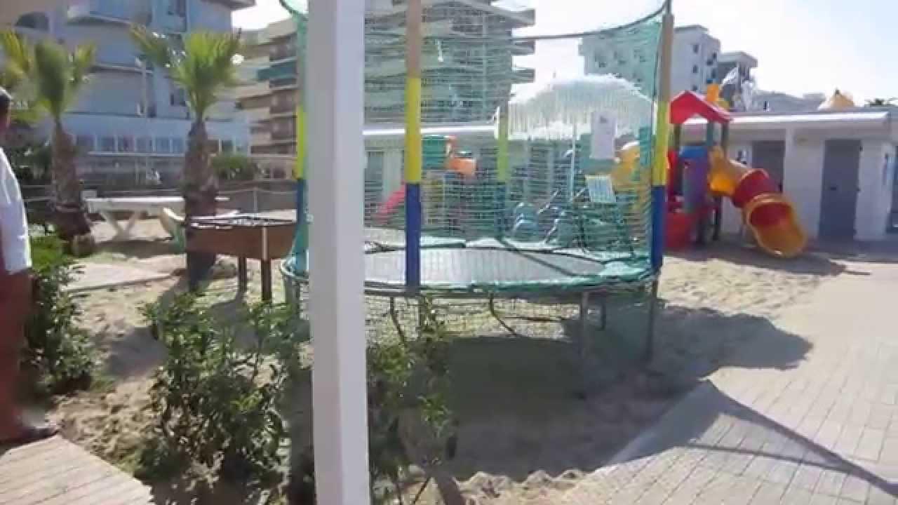 Riccione bagno 96 silvano estate 2013 youtube - Bagno 60 riccione ...