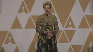 Oscars 2018: Frances McDormand Backstage (FULL PRESS CONFERENCE)
