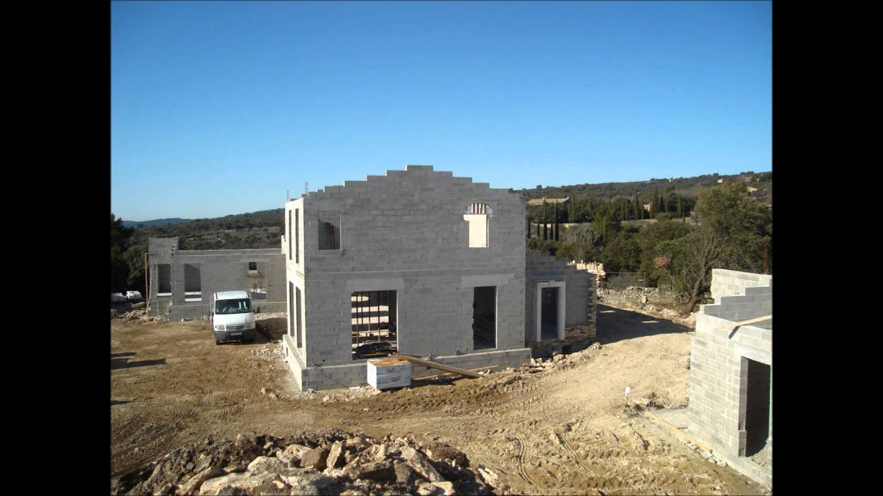 Maison en pierres s ches gordes 84 youtube for Blog construction maison pierre