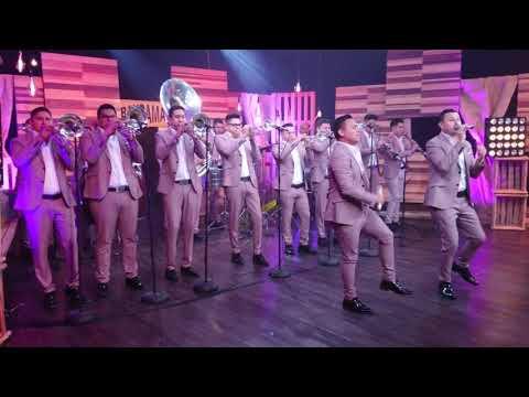 Amores Pasajeros - La Poderosa Banda San Juan En Sesiones En Bandamax