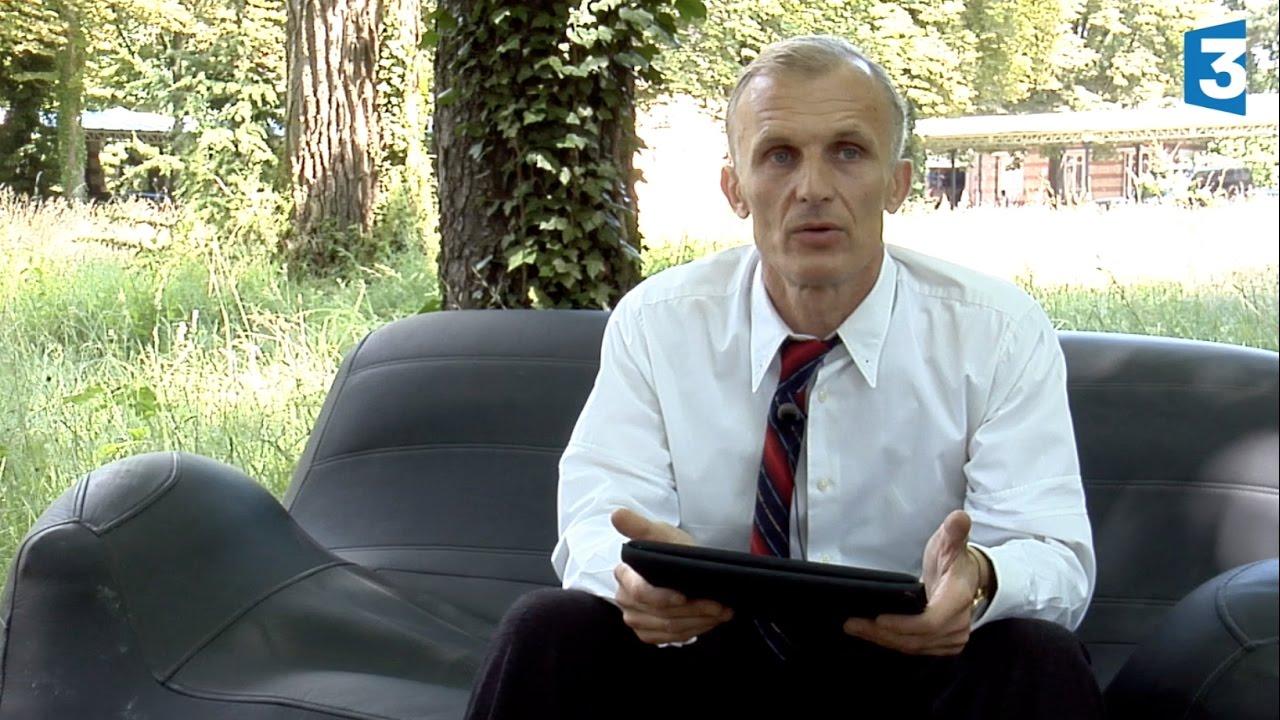 France 3 un village fran ais saison 7 1 re partie interview de richard sammel youtube - Acteur un village francais ...