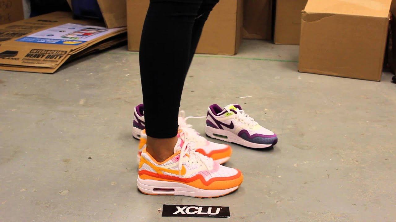 Nike Air Max 90 Womens On Feet