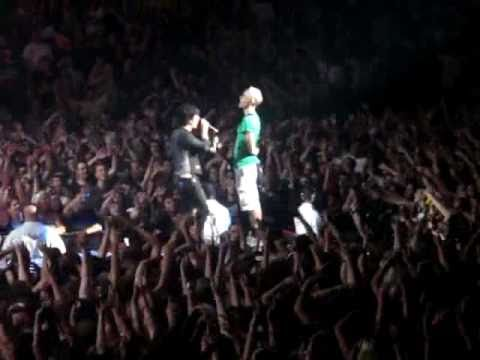 Green Day Pulls Me Onstage to Play Guitar for Jesus of Suburbia Phoenix 8/23/09
