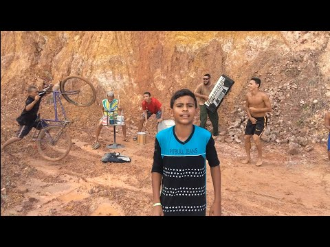 FUNDO DE QUINTAL OFC - VAI LUAN - MC MOANA(Vídeo Oficial) VERSÃO FUNDO DE QUINTAL