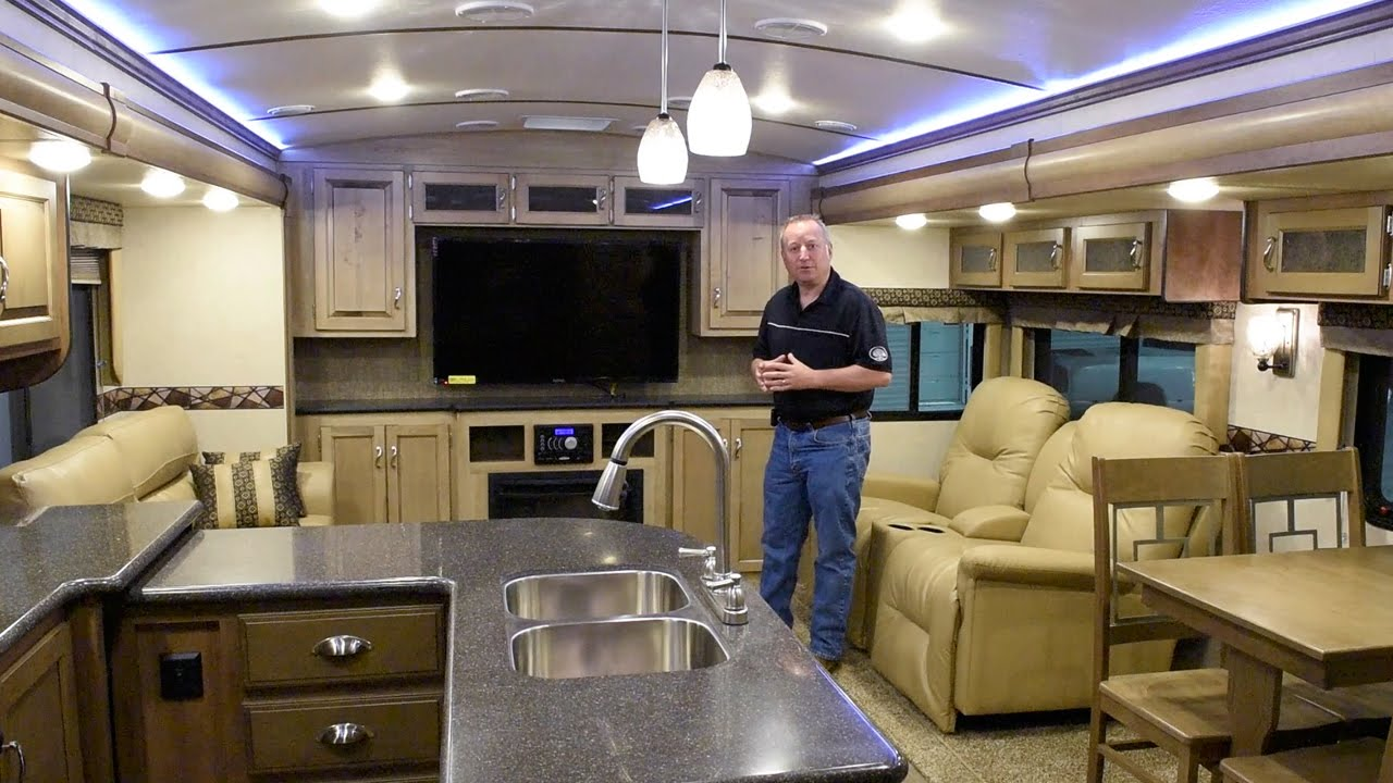 2017 K Z RV Spree 337RES Interior Features