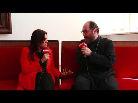 Parintele Constantin Necula de vorba cu Mirela Retegan, in prima zi de Paste