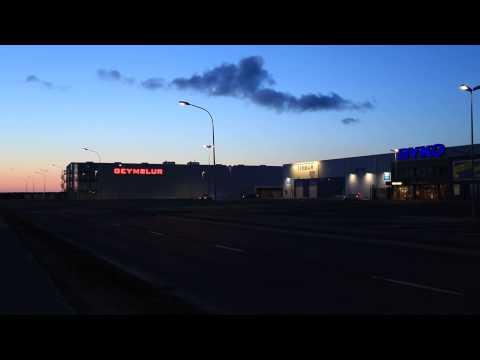 Icelandic guys burning some rubber on Reykjavik harbour