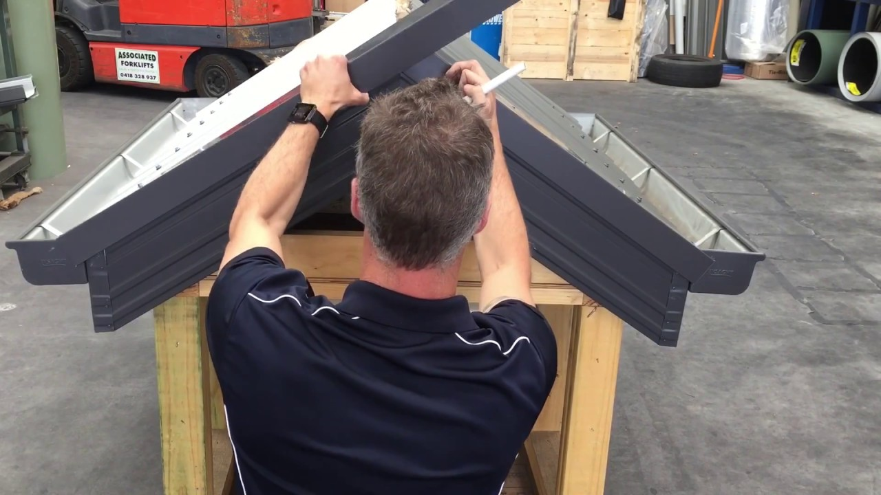 How To Install Barge Capping On Colorbond 174 Corrugated