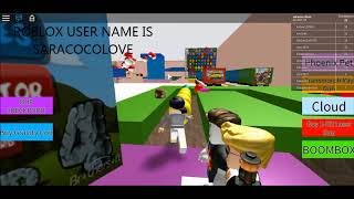 SARA GAMER is escaping iphone X -Roblox