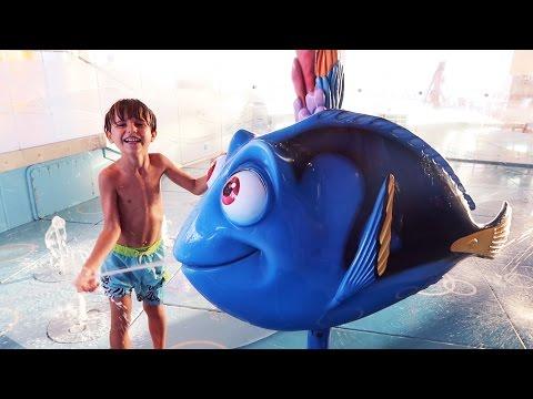 Water Fun Play - Disney Nemo's Reef Slide