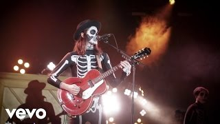 James Bay - Hold Back The River (Live) - #VevoHalloween 2015