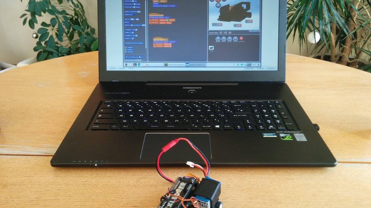 Tiny Raspberry Pi Zero Bot with OpenCV Servo Face Tracking