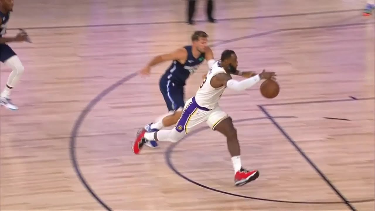 LeBron James schools Luka Doncic with beautiful move | Lakers vs Mavericks - Scrimmage