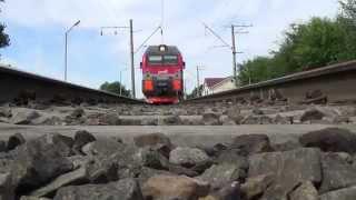 Лежим под между рельс и снимаем Электровоз ЭП1М-773 с поездом №259 Анапа-Санкт-Петербург(, 2014-07-04T19:07:05.000Z)