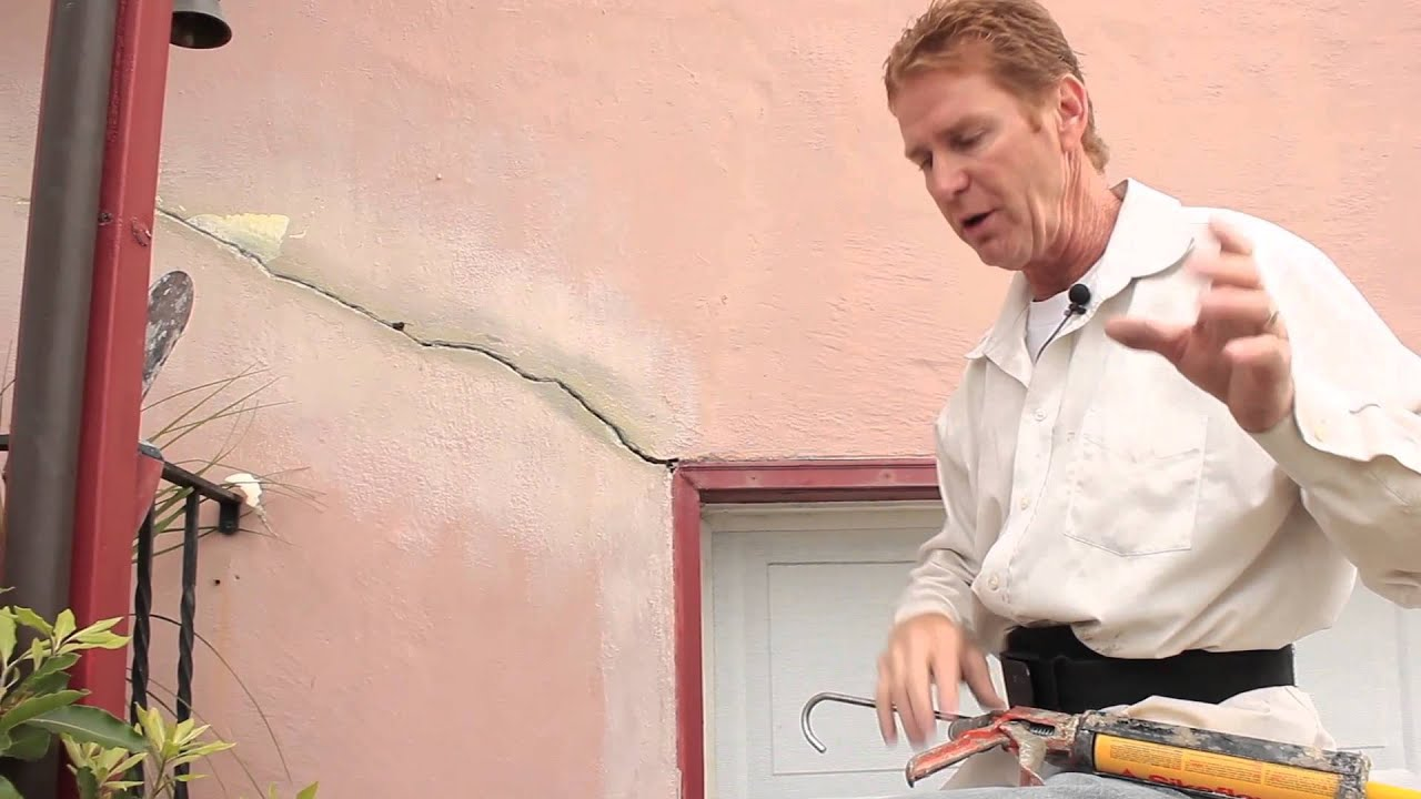 Mixing sand with caulking to get a rough finish on a crack