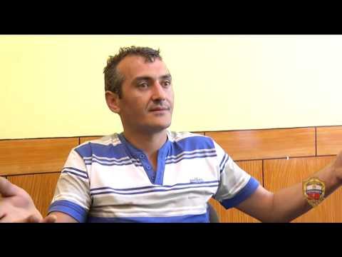 Москвич выбросил из окна приемную дочь и собаку