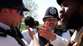POLICE GET CALLED OVER TO KEEP PEACE BETWEEN BOB AND JAMAICAN MUSLIM