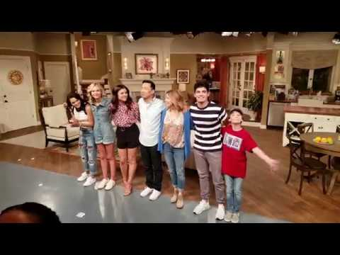 Netflix Alexa And Katie Season 3 Ep 1 Cast Intros In 4K