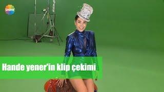 """Hande Yener'in """"Krema şarkısı""""nın kamera arkası Video"""