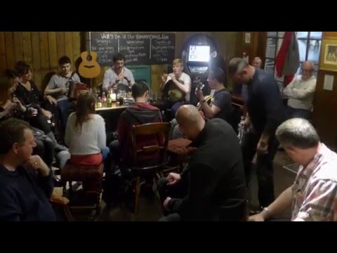 The Hammersmith Ram - Traditional Irish Music Session (London)