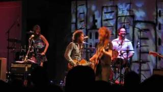 Broken Social Scene - Meet Me in the Basement: Live at the Harbourfront Centre (07.11.09)