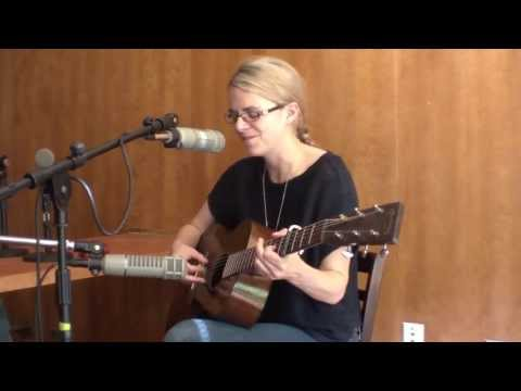 "Aoife O'Donovan on WTJU - ""Red & White & Blue & Gold"" (Fossils)"