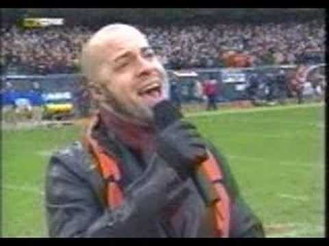 Chris Daughtry sing the National Anthem