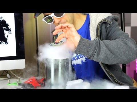 3 COOL FIDGET SPINNER SCIENCE EXPERIMENTS How to Make a TORNADO