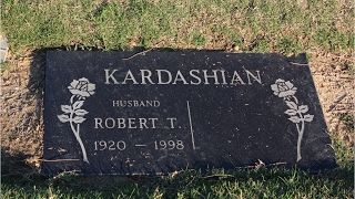 """Did Robert Kardashian's Ghost """"Warn"""" Kim?"""