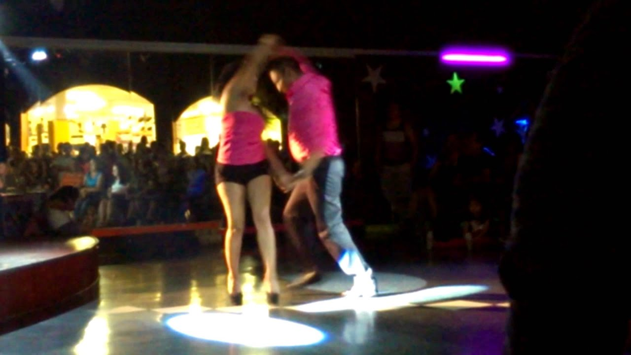 Baile sexy chicas del colegiohot girls sexy dance - 1 part 4