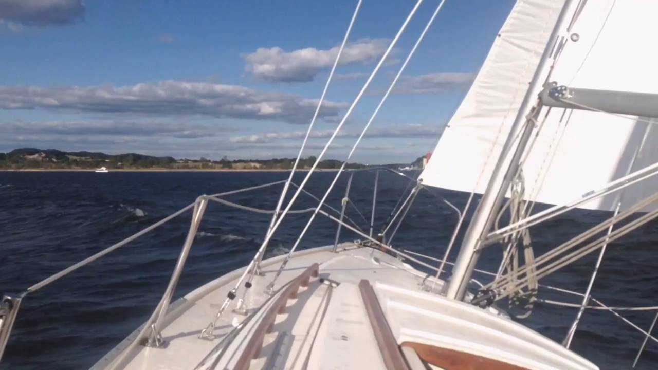 1978 Swing Keel Catalina 25, Sailing on Lake Michigan and Muskegon Lake