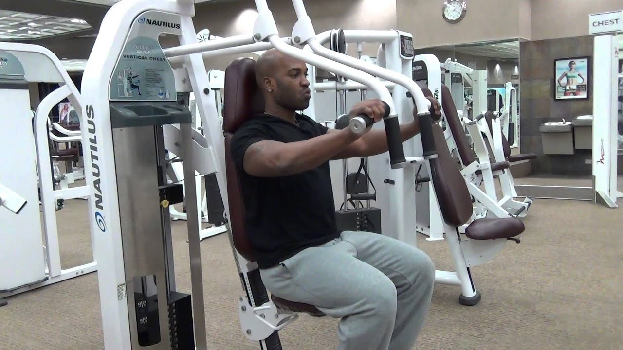 Machine Vertical Chest Press Nautilus - YouTube