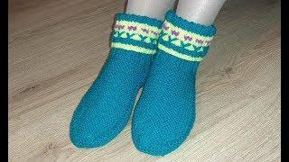 Следки – сапожки с отворотом и цветочками спицами. Вязание. Homemade knitted slippers