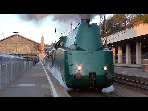 Streamlined steam locomotive MÁV 242,001 chartering