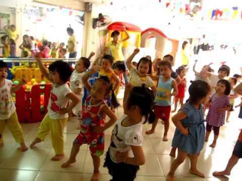 Gio tap the duc cua be Funy Kids-Bai ong but-7