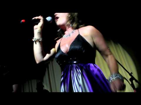 Nicki French - Total Eclipse of the Heart  [HD] Live at Yellow Village - Guaruja/SP