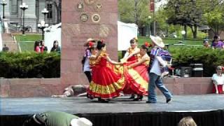 Cinco De Mayo Kids dancing