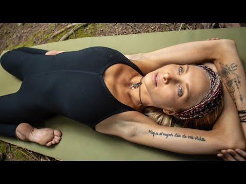 Full Body Yoga Class For Everyone   30 Min Feel Good Yoga Flow