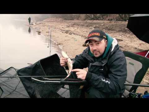 лещ в марте на реке видео
