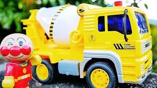 アンパンマン おもちゃ アニメ コンクリートミキサー車のおもちゃをあけてみるよ♪ おうちでおもちゃで遊ぼう!!