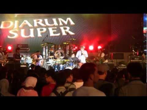 Tompi - Indonesia Pusaka @ Jakarta Fair 2011 [HD]