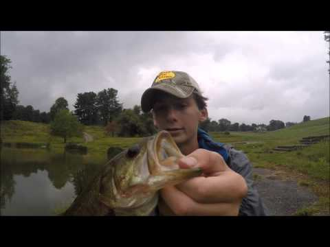 Rainy day pond bass fishing youtube for Bass fishing in the rain