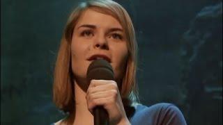 Hazel Brugger - Der neue Stern am deutschen Comedy-Himmel