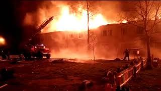 Очевидцы в поселке Хабкрая рассуждают, почему сгорают дома в поселке Токи, май 2019
