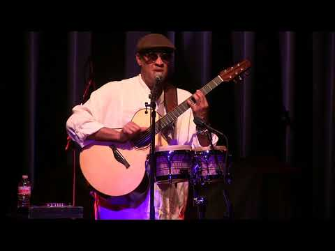 Raul Midon ~Badass and Blind at The Kessler Theater
