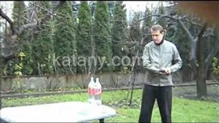 katany.com.pl - test katany 1095S - cięcie butelek z wodą