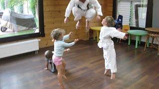 Дети клуба традиционного каратэ ОНАМИ