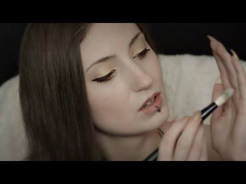 ASMR SHANY Make up brushes: Ear brushing/nail tapping